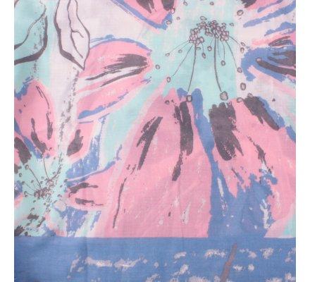 Echarpe beige fleurs de lys bleues roses vertes argentées
