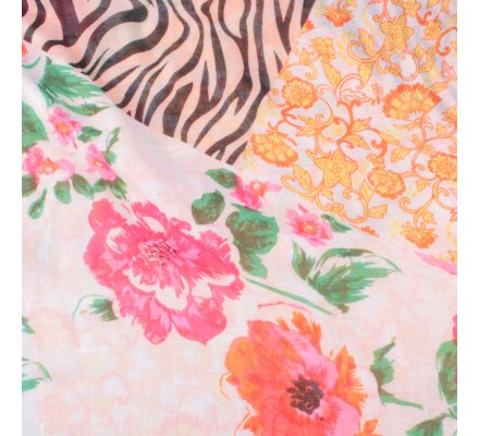 Echarpe orangée fleurs roses jaunes vertes et zebrures