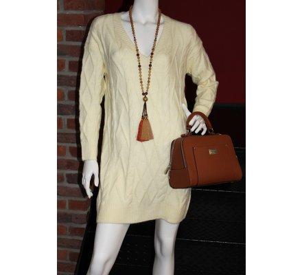 Robe pull beige col V losanges et tresses