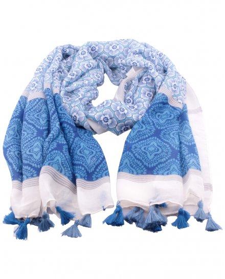 Echarpe bleue et blanche fleurs arabesques et pompons