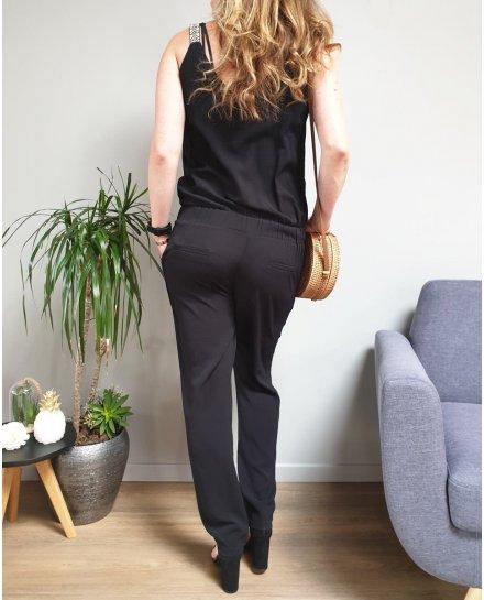 Combinaison pantalon noire bretelles ethniques