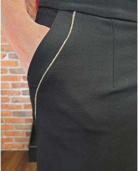 Jupe noire poches à liserés dorés