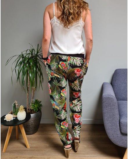 Pantalon fluide elastique noir palmes vertes et fleurs exotiques multicolores
