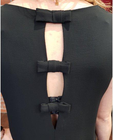 Robe droite noire dos à nœuds et manches courtes brodées