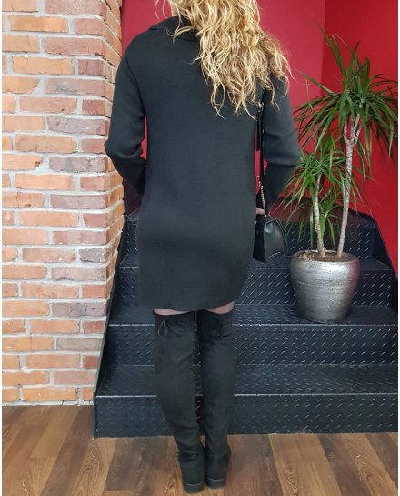 Robe pull noire col montant et poches