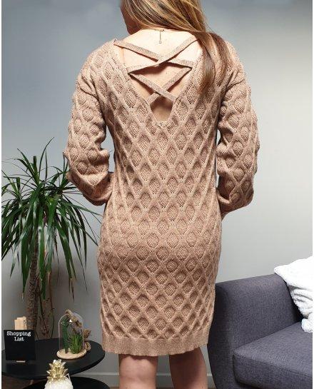 Robe pull beige liseré doré maille tressée ajourée et dos lacet