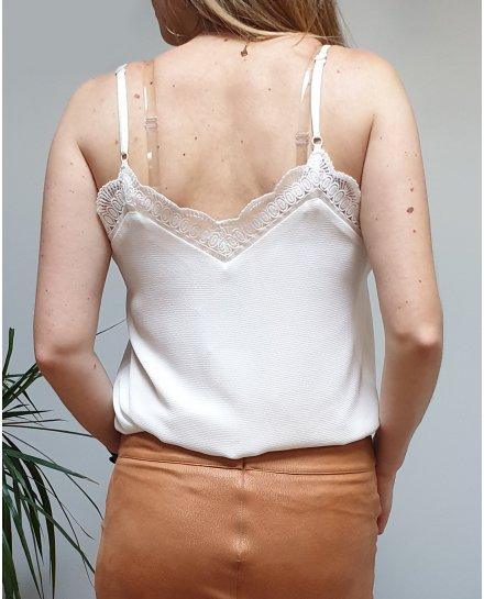 Top blanc à bretelles décolleté et dos brodés