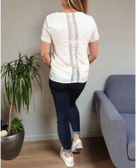 Top blanc manches courtes dos broderies ajourées à boutons