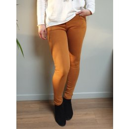 Pantalon slim moutarde push up taille haute
