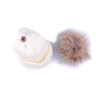 Bonnet blanc à pompon marron et noir