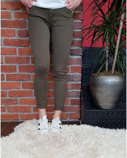 Pantalon kaki slim taille haute coupe confort