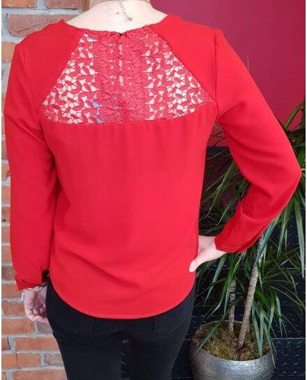 T-shirt rouge manches longues dos fleuri ajouré