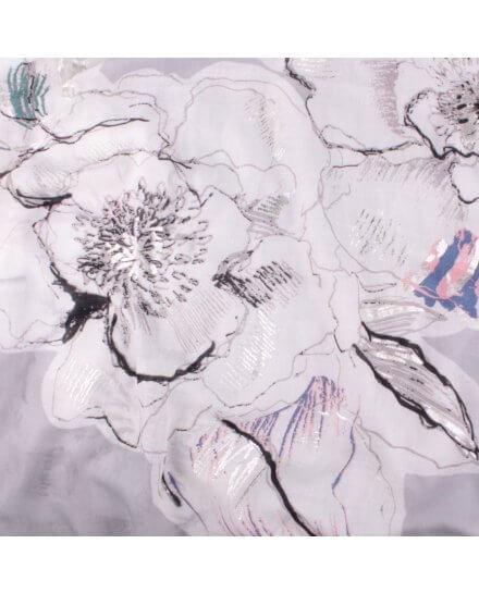 Echarpe grise pivoines blancs bleus roses et verts reflets argent