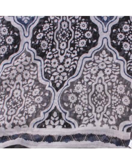 Echarpe noire grise blanche bleue motifs fleuris baroques