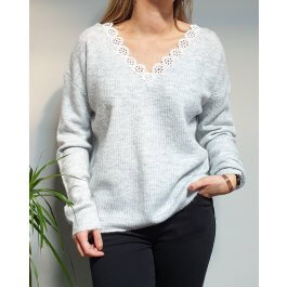 Pull maille fine col et dos V broderies fleuries-Gris